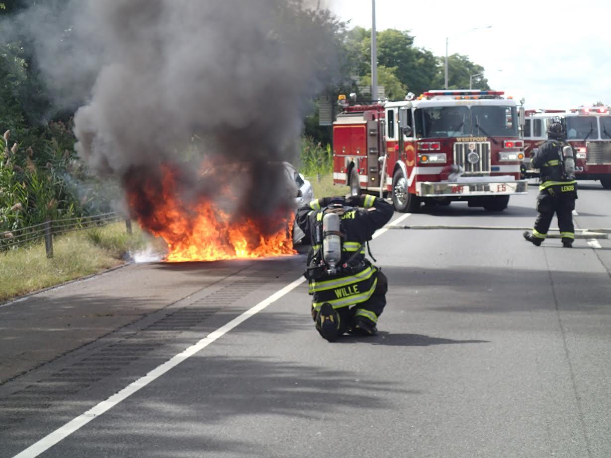 Westport car fire 2 doingitlocal for West valley motor vehicle