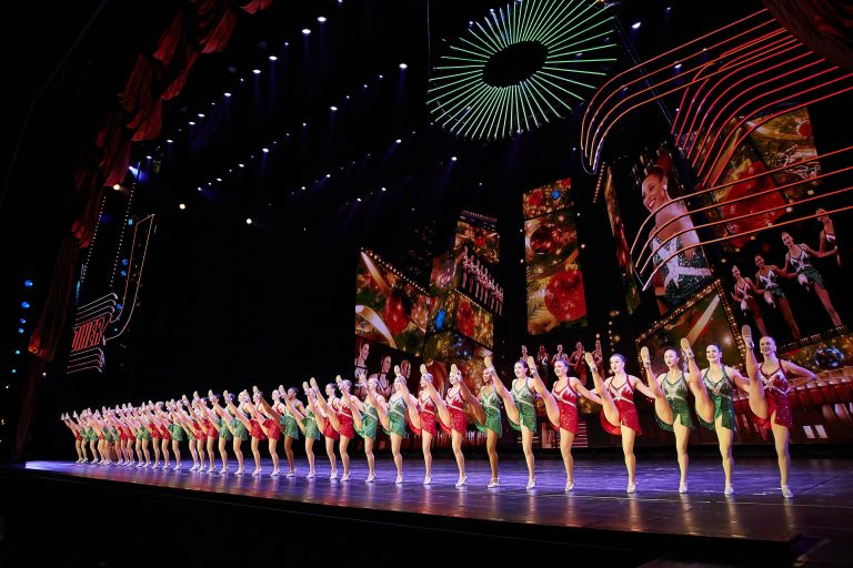 Rockettes Christmas Show.Radio City Rockettes Coming To Darien Doingitlocal